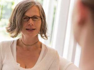 Ambulante Behandlung Beratungsstelle Bad Oldesloe Nahaufnahme einer Frau